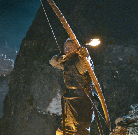 Bronn-stands-tall-in-the-Battle-of-Blackwater